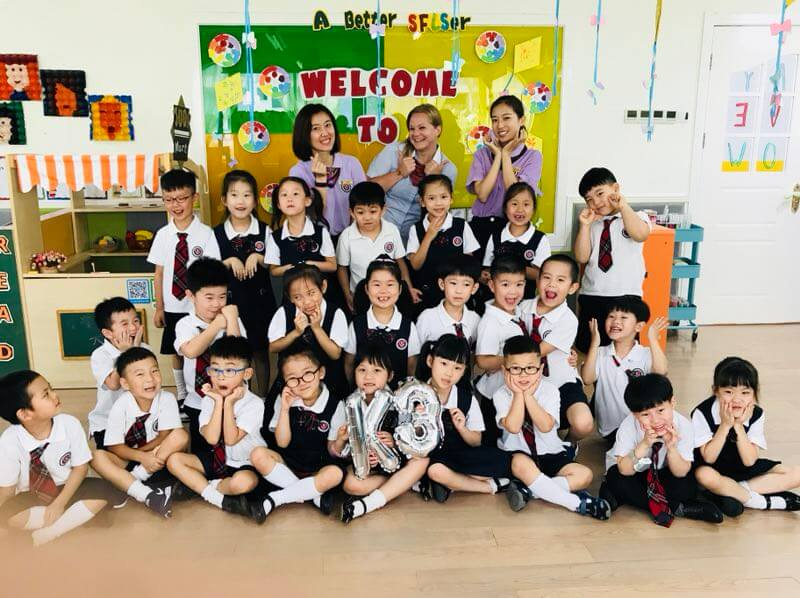 Jordan with her class of students in China
