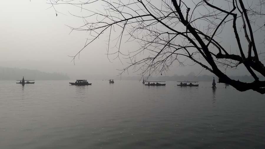 Carolina, English teacher in China visits Hangzhou West Lake