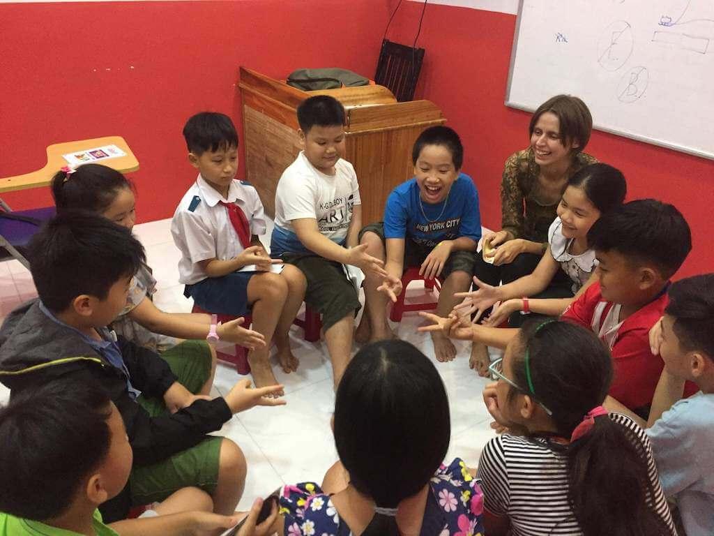 Anna, Teaching Kids English in Vietnam