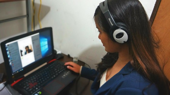 Krzl, teaching English online from Chile