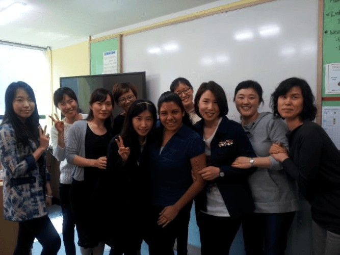 English Teacher in Korea, Gedisa, with her students