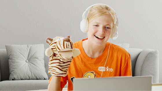 VIP Kid Tutor Teaching Online