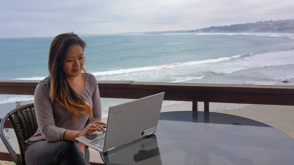 Krzl teaching online beside the beach in Chile