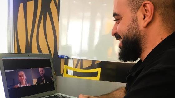 Jhonny, a Venezuelan teacher, doing a synchronous class