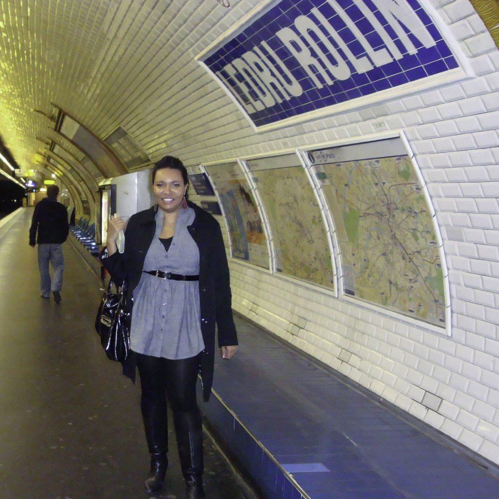 Sophia traveling in Paris