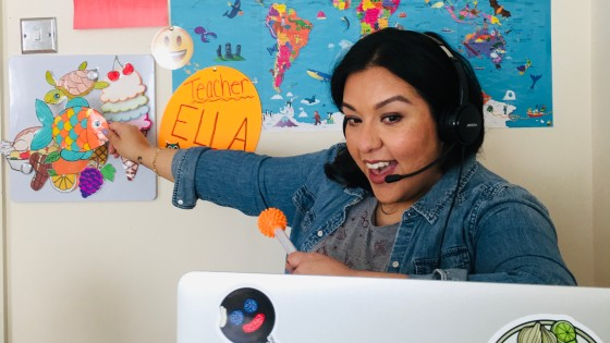 Online English teacher Mari teaches with GoGoKid
