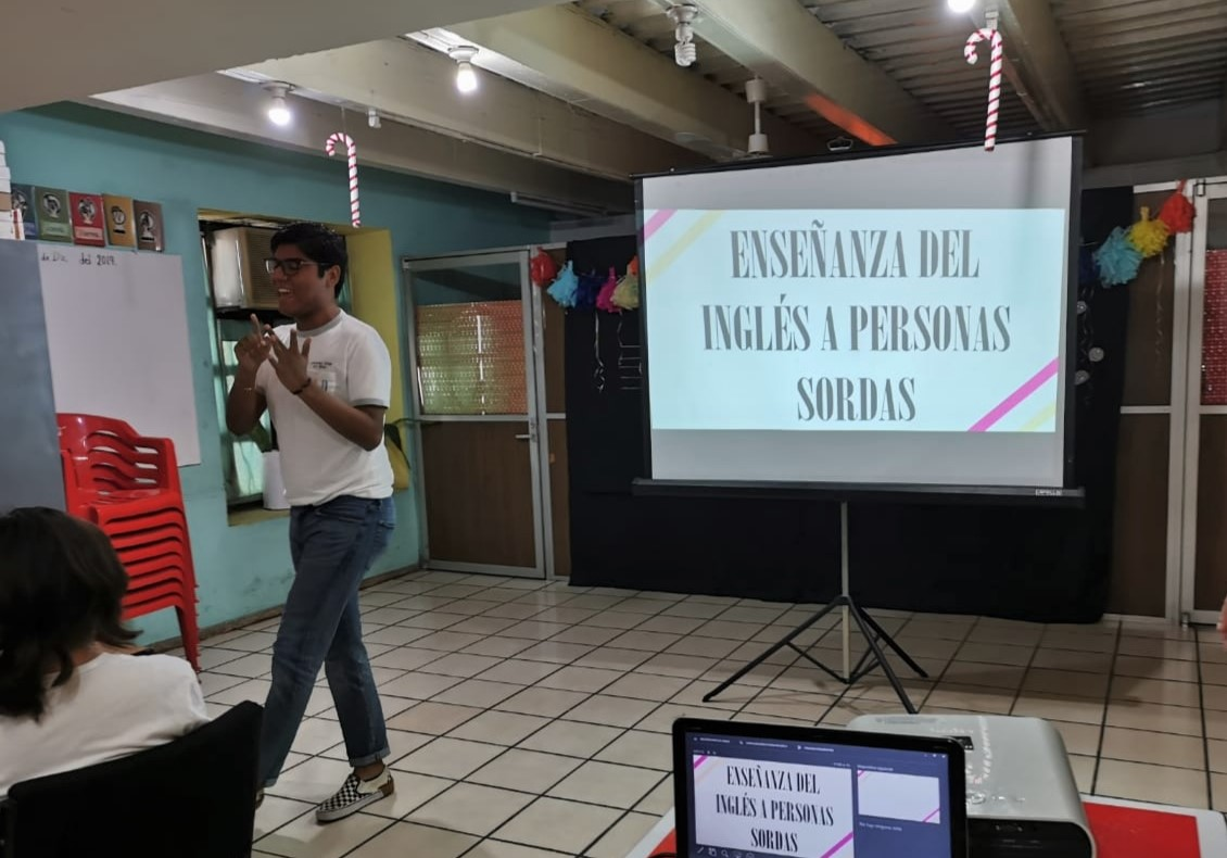 Emiliano, one of the event attendees, teaches English to deaf and blind students in Mérida, Mexico