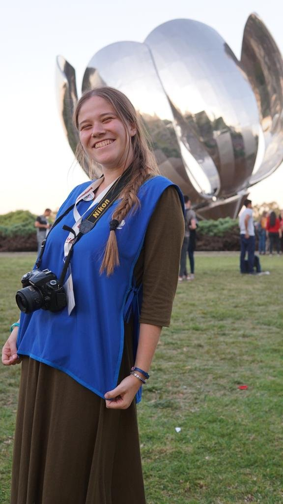 Lisa taking pictures at the Floralis, one of Buenos aires' most famous sites