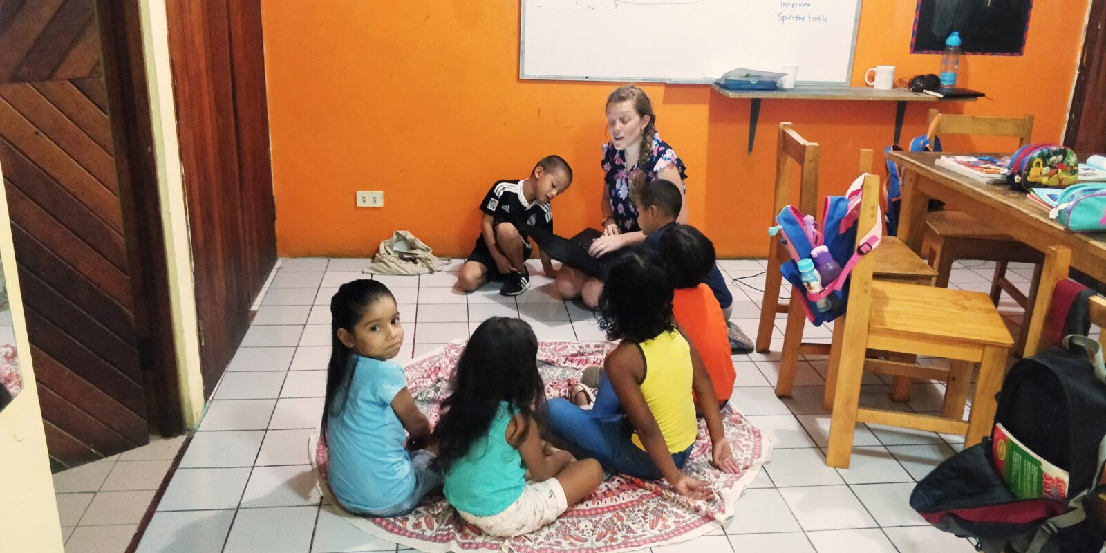 A kids English class with Chelsie!
